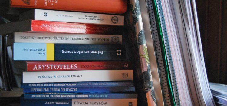 Pisarnia - Gromadzenie materiałów